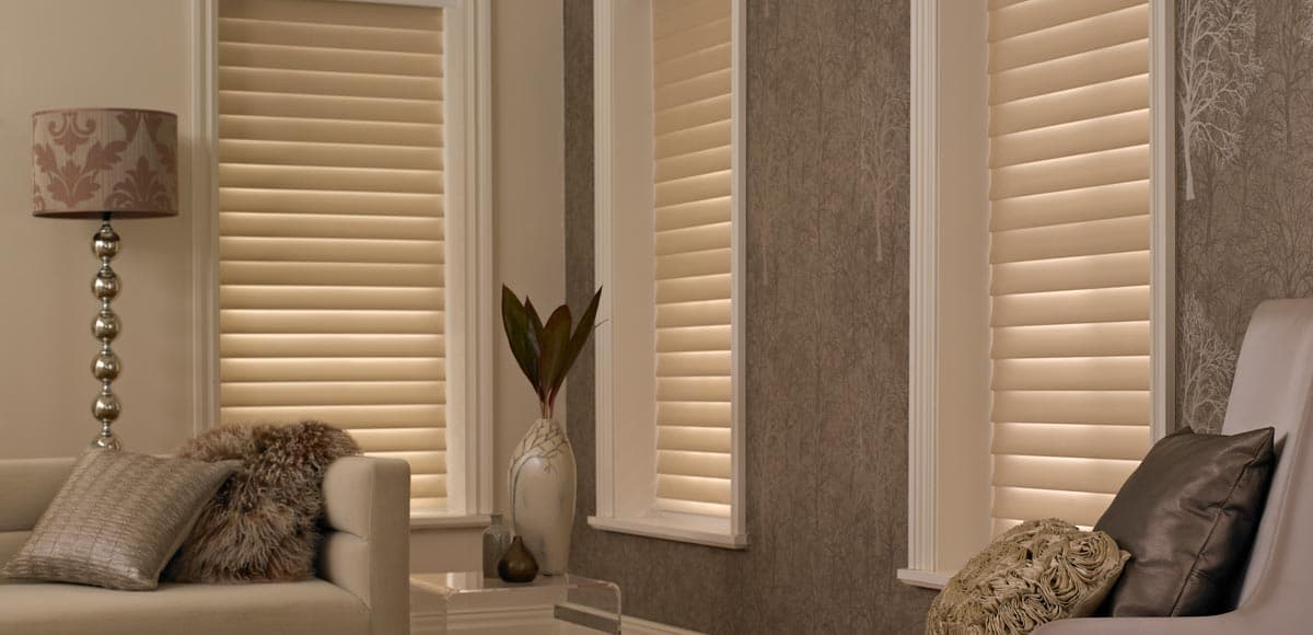 bay window blinds made to measure with thomas sanderson. Black Bedroom Furniture Sets. Home Design Ideas