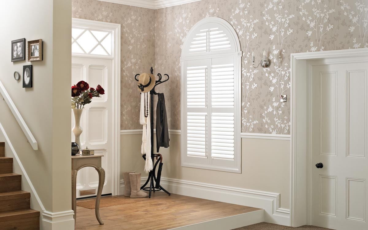 arched window shutters shaped shutters from thomas sanderson. Black Bedroom Furniture Sets. Home Design Ideas
