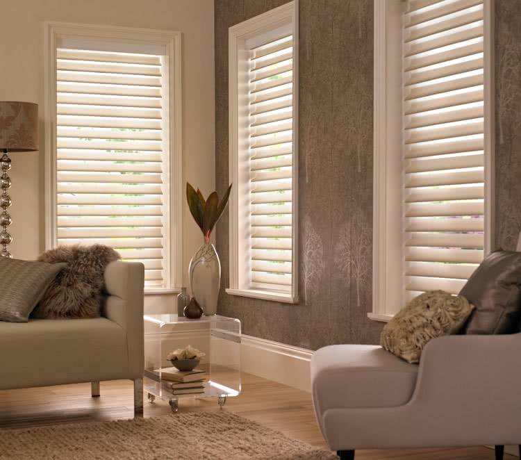 privacy blinds silhouette blinds from thomas sanderson. Black Bedroom Furniture Sets. Home Design Ideas
